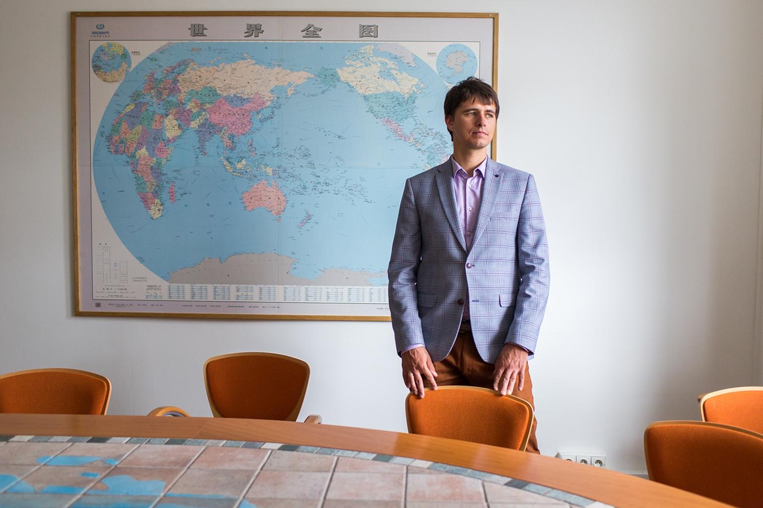 Konrad Popławski, Ph.D.Senior Fellow Department for Germany and Northern Europe. Portrait for WELT AM SONNTAG