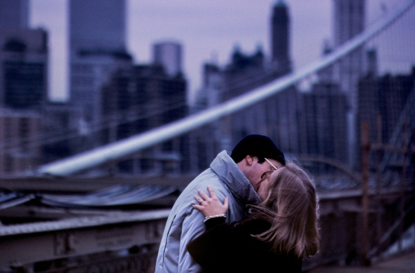Brooklyn Bridge couple