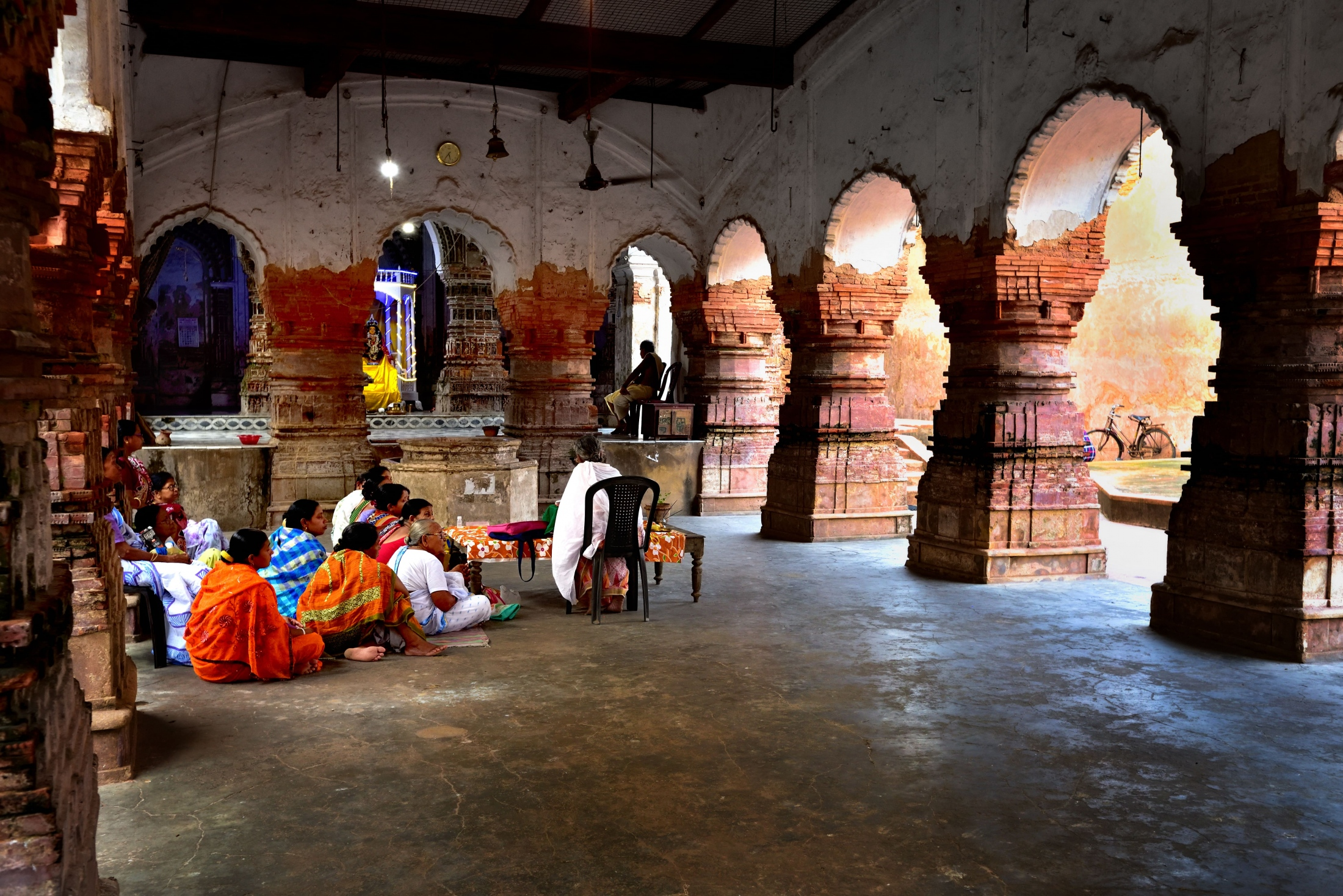 Photography image - Religious discussion in Temple