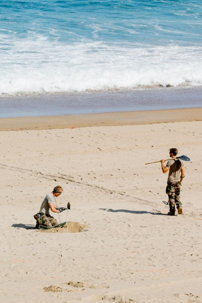 2019-08-22 - Cleared 'La Grande Plage' is searched by military.