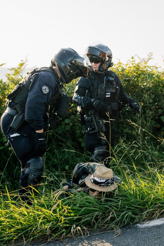 2019-08-23 - Arrest during spontaneous demonstration near protest camp.