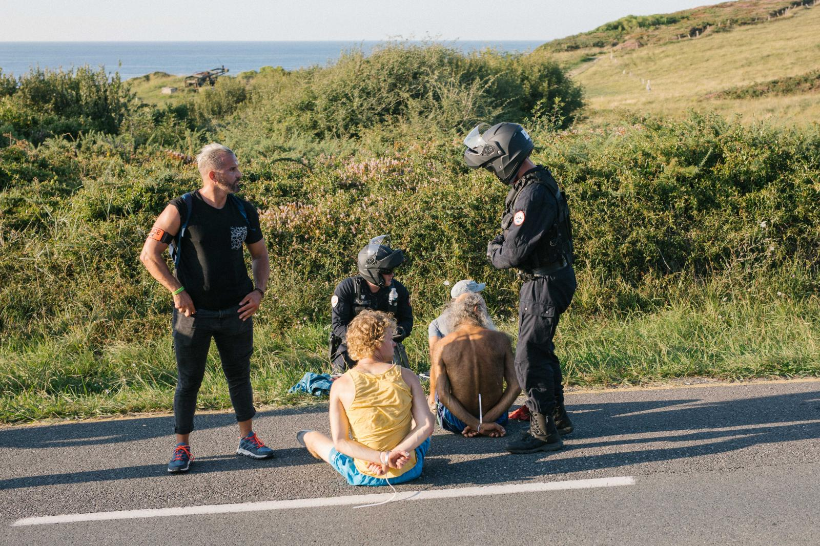 2019-08-23 - Arrests during spontaneous demonstration near protest camp.