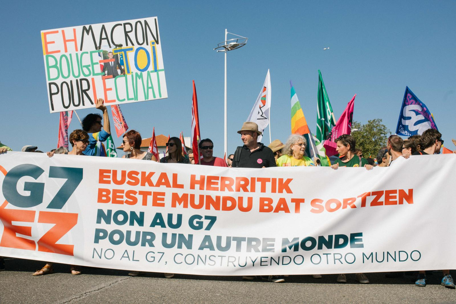 2019-08-24 - Mass demonstration in Hendaye opposing the politics of the G7.