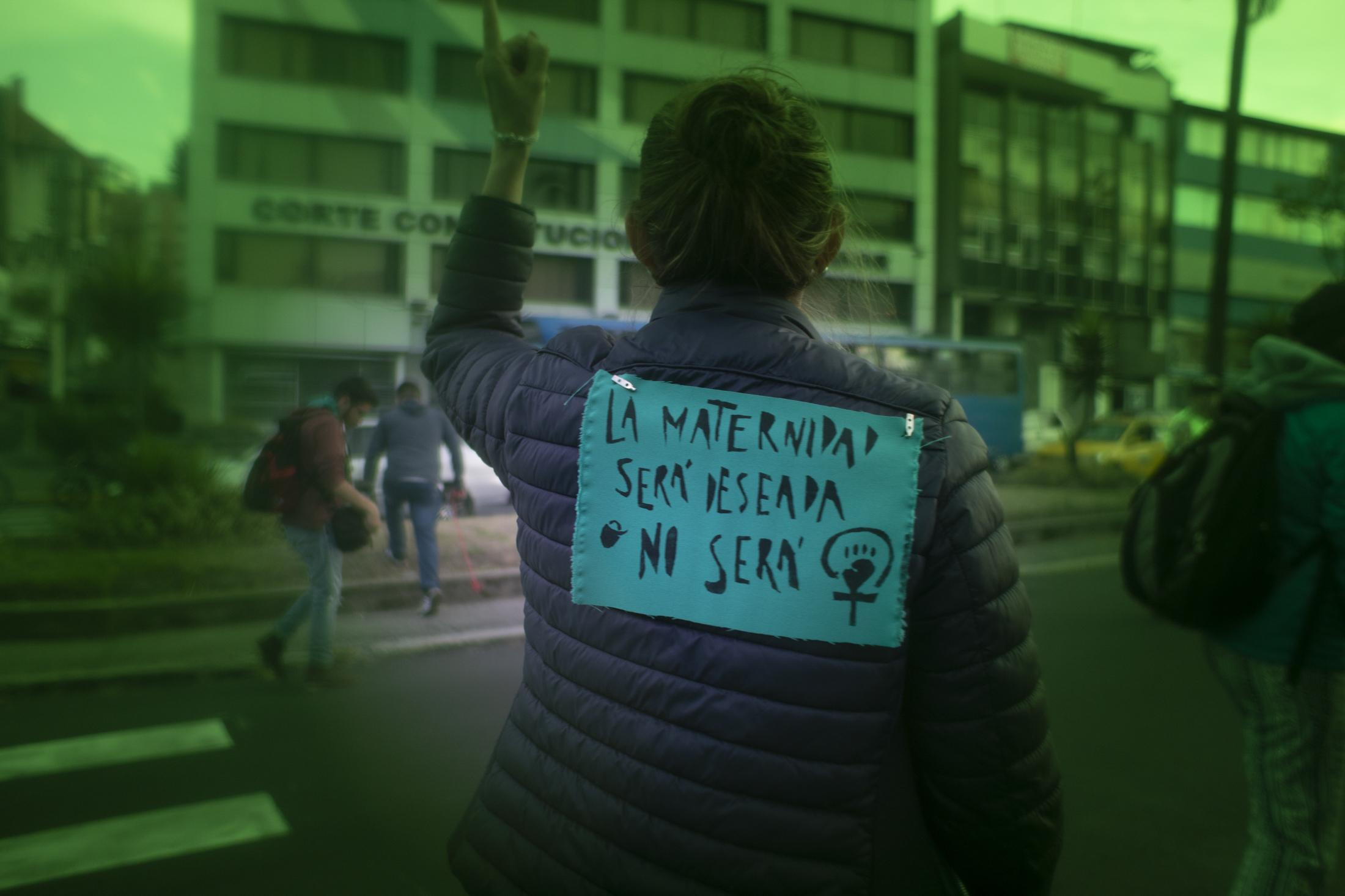 Hundreds of women marched in Quito on the international day for the legalization of abortion in Latin America and the Caribbean. Currently in Ecuador, abortion is legal only in the case of rape of a woman with a mental disability or in the event that the pregnancy presents a threat to the life or health of the woman.