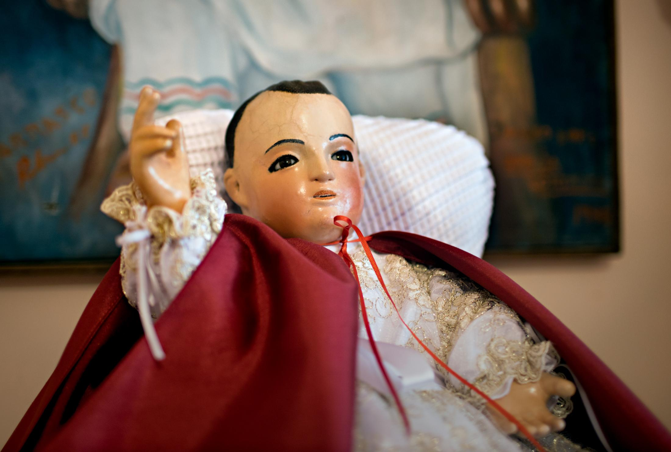 Niñopa is a 430 years old relic doll that represents the Baby Jesus. He was created in 1577 and is made out of wood from a tree called Colorín or coral tree. It is 51cm long and weights 598 grams.
