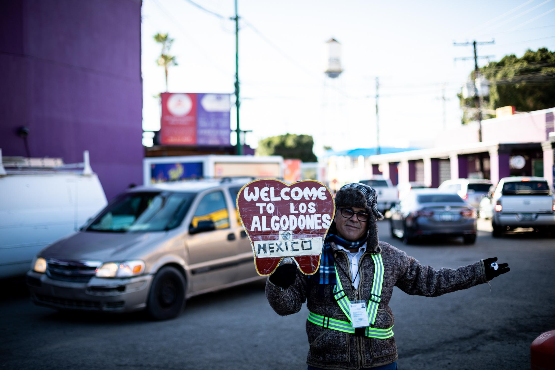 At the arrival in Los Algodones, right after border inspection, pickers welcome the tourists and offer to take them pharmacies, dental clinics or opticians. The town's economy is centered around a three-four blocks area.