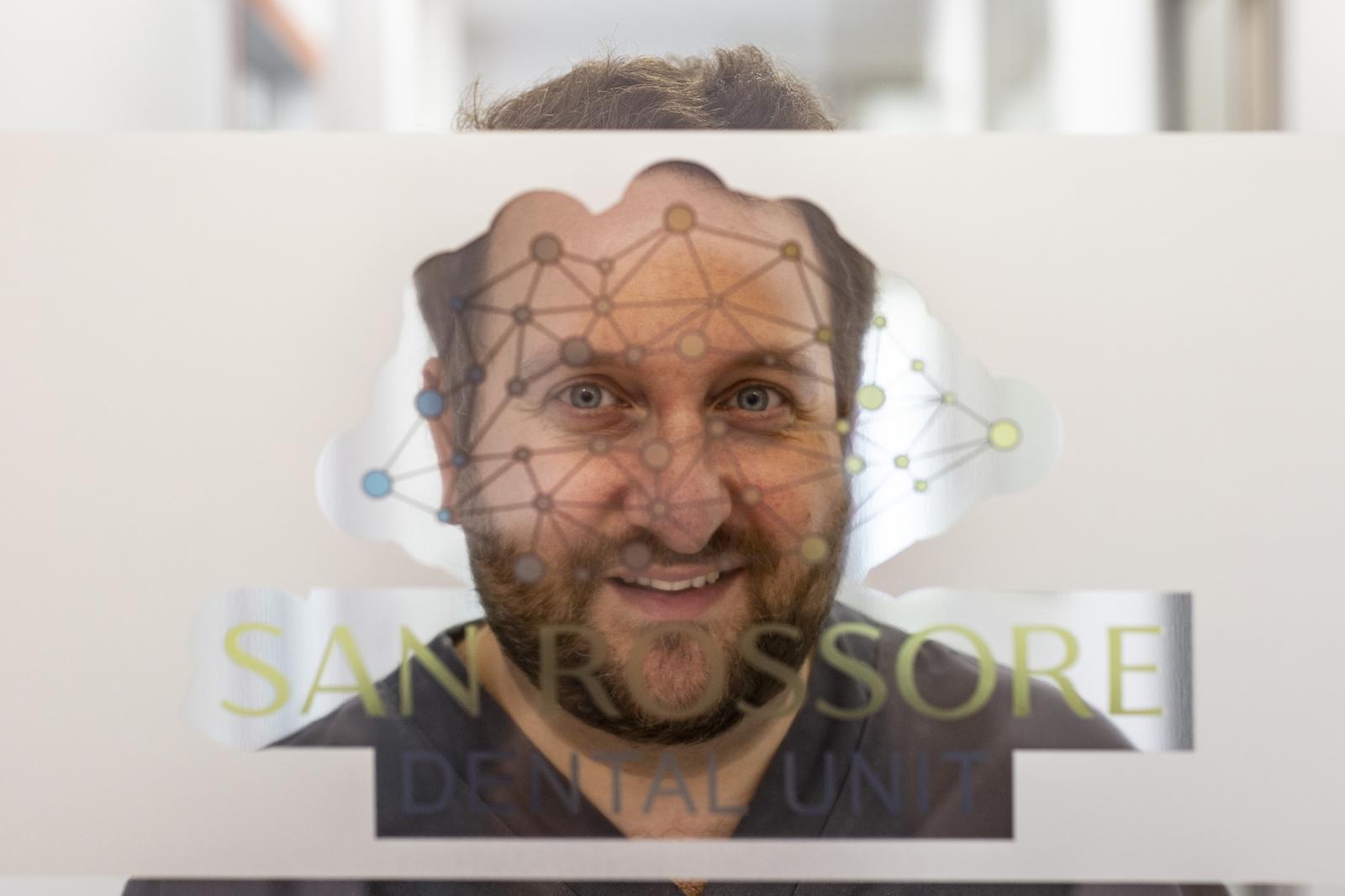 il direttore della San Rossore Dental Unit - dott. Giovanni Menchini Fabris