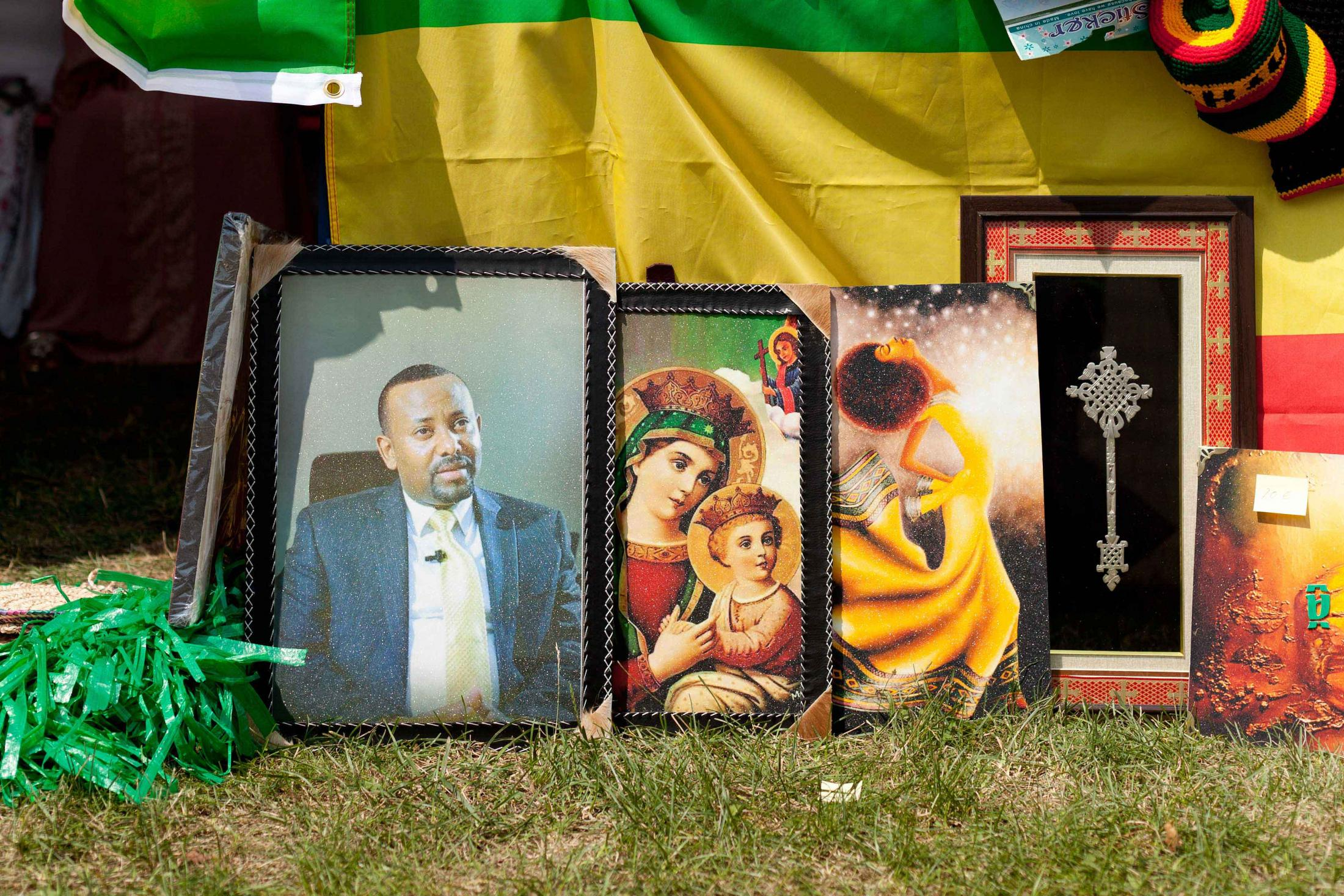 In April 2018, Abiy Ahmed was elected Prime Minister of Ethiopia. On 9 July 2019, he struck a historic peace treaty with Eritrea, ending the 20-year long border conflict between the two nations. Borders opened, families reunited. Hopes were high. But not much has changed for Eritreans. There is no debate over the indefinite nature of the national service, and the country remains a totalitarian regime, with repression, no free press, torture, disappearances.