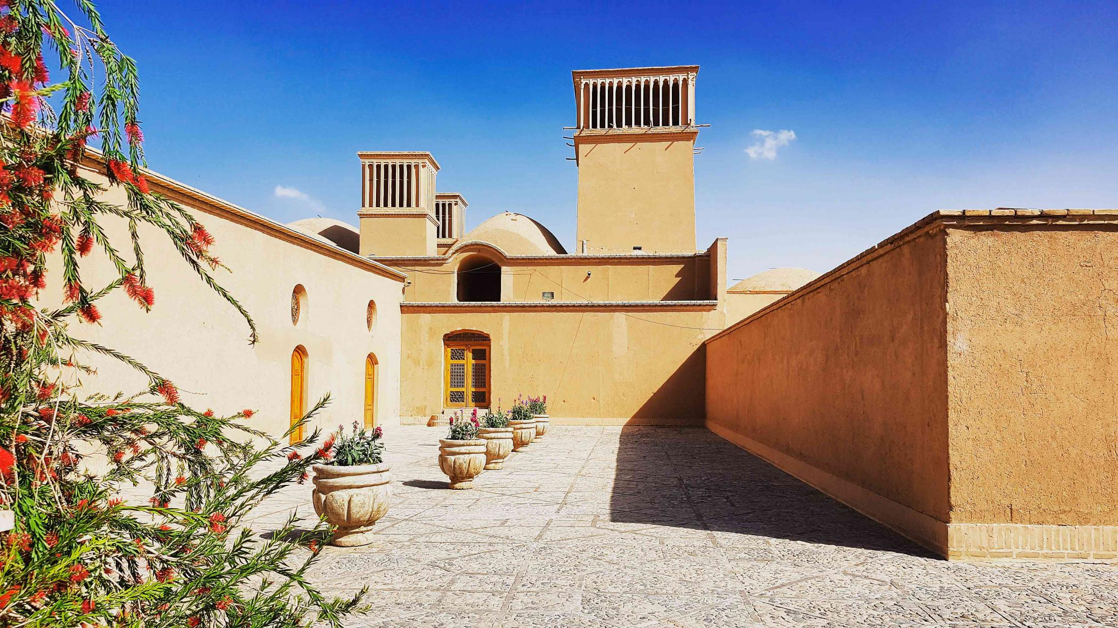dolat abad garden, #yazd. located in the deserts of Iran close to the spice and silk roads, it is a living testimony to use of limited available resources in the desert for survival. water is brought to the city by the qanat system. buildings are built of earth.