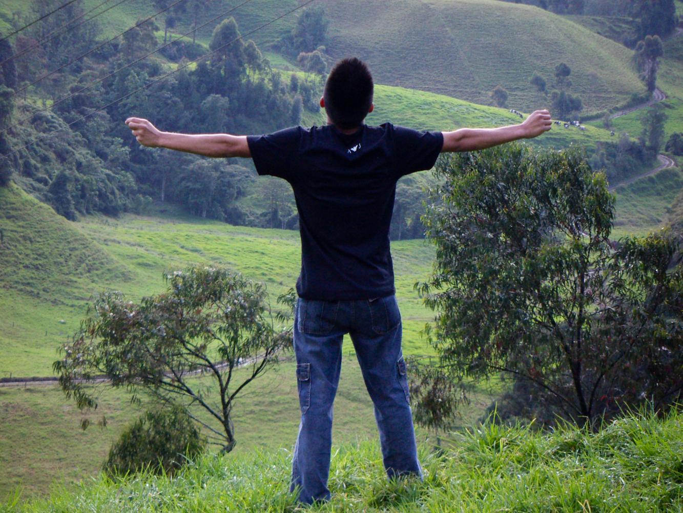 Se ve tanta libertad que me gustaría correr hasta el final de todas las montañas... Siento un cosquilleo en el pecho que me impulsa a seguir y encontrar mi lugar.