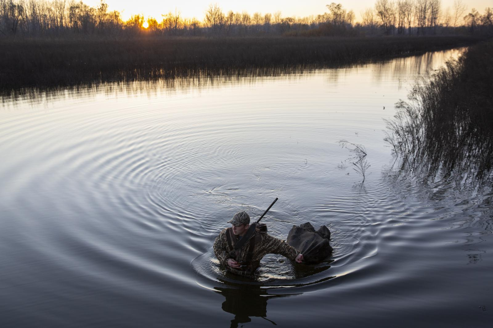 Luke Miener spends his Thursday afternoon duck hunting at Diana Bend Conservation Area near Columbia, Mo. on Nov. 15, 2018. An avid hunter of 12 years, Miener said it was his first time trying out the spot. He finished the day empty-handed.