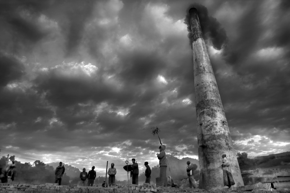 Art and Documentary Photography - Loading Larry_LOUIE_Underbelly-of-Kathmandu_Kathmandu_2010_22.jpg