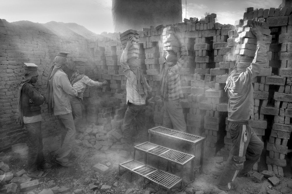 Art and Documentary Photography - Loading Larry_LOUIE_Underbelly-of-Kathmandu_Kathmandu_2010_26.jpg