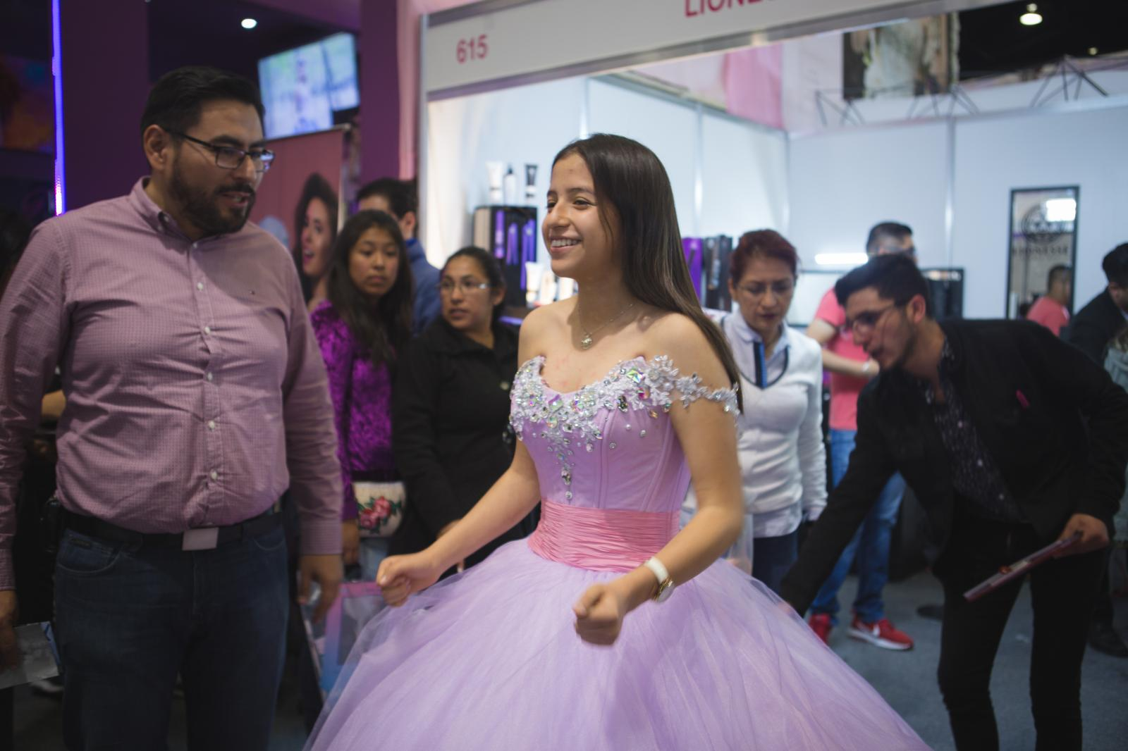 Photography image - Loading 01282018-GlobeMail-Quinceaneras-006.JPG
