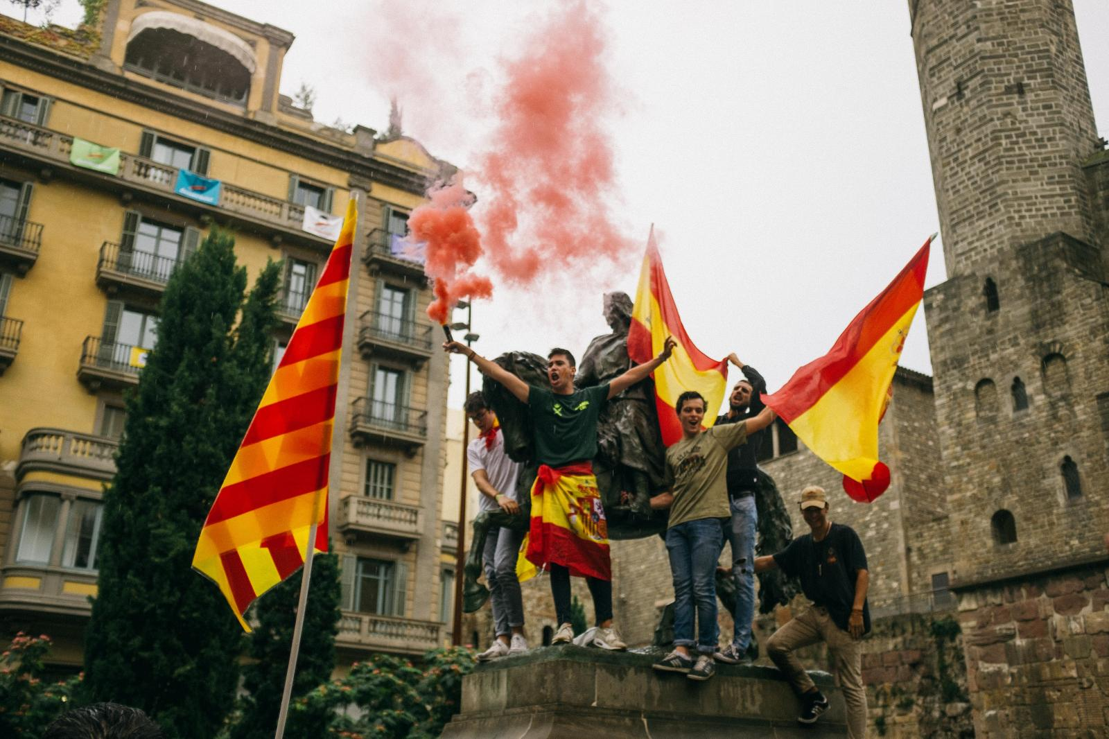 Spanish unionist and nationalist demonstration in Barcelona. September 30th, 2017