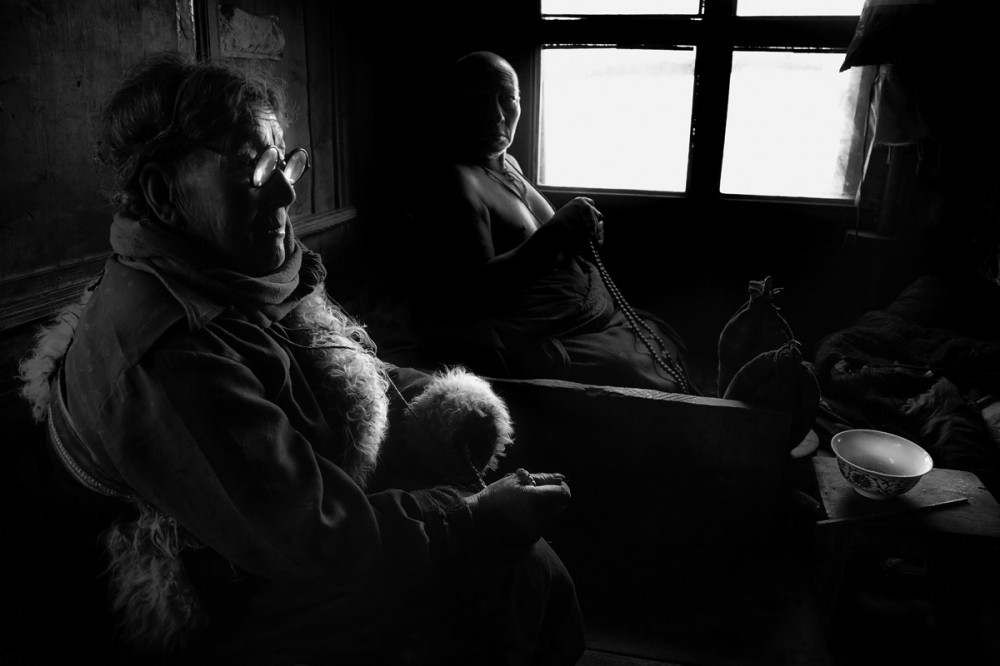 Art and Documentary Photography - Loading Larry_LOUIE_Vanishing-Faces-of-Tibet_Tibet_20079_20.jpg