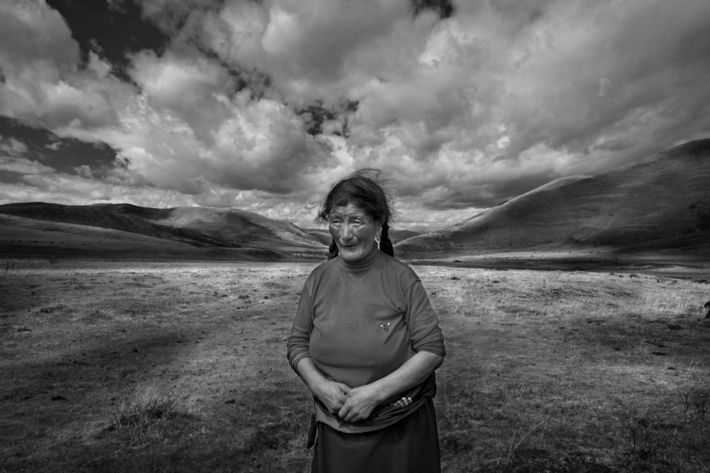 Art and Documentary Photography - Loading Larry_LOUIE_Vanishing-Faces-of-Tibet_Tibet_20079_26.jpg