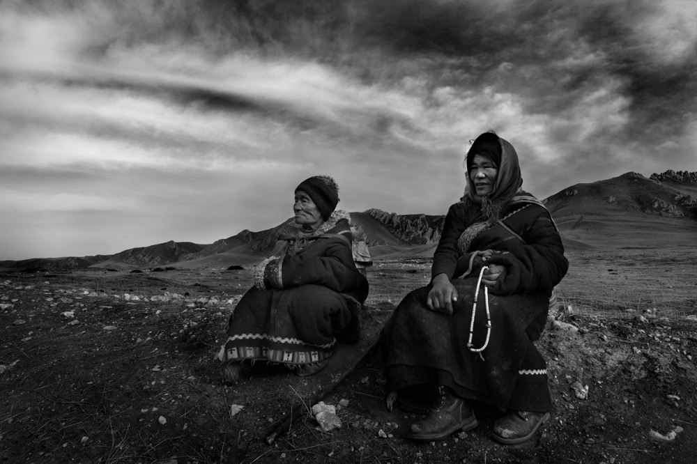 Art and Documentary Photography - Loading Larry_LOUIE_Vanishing-Faces-of-Tibet_Tibet_20079_27.jpg