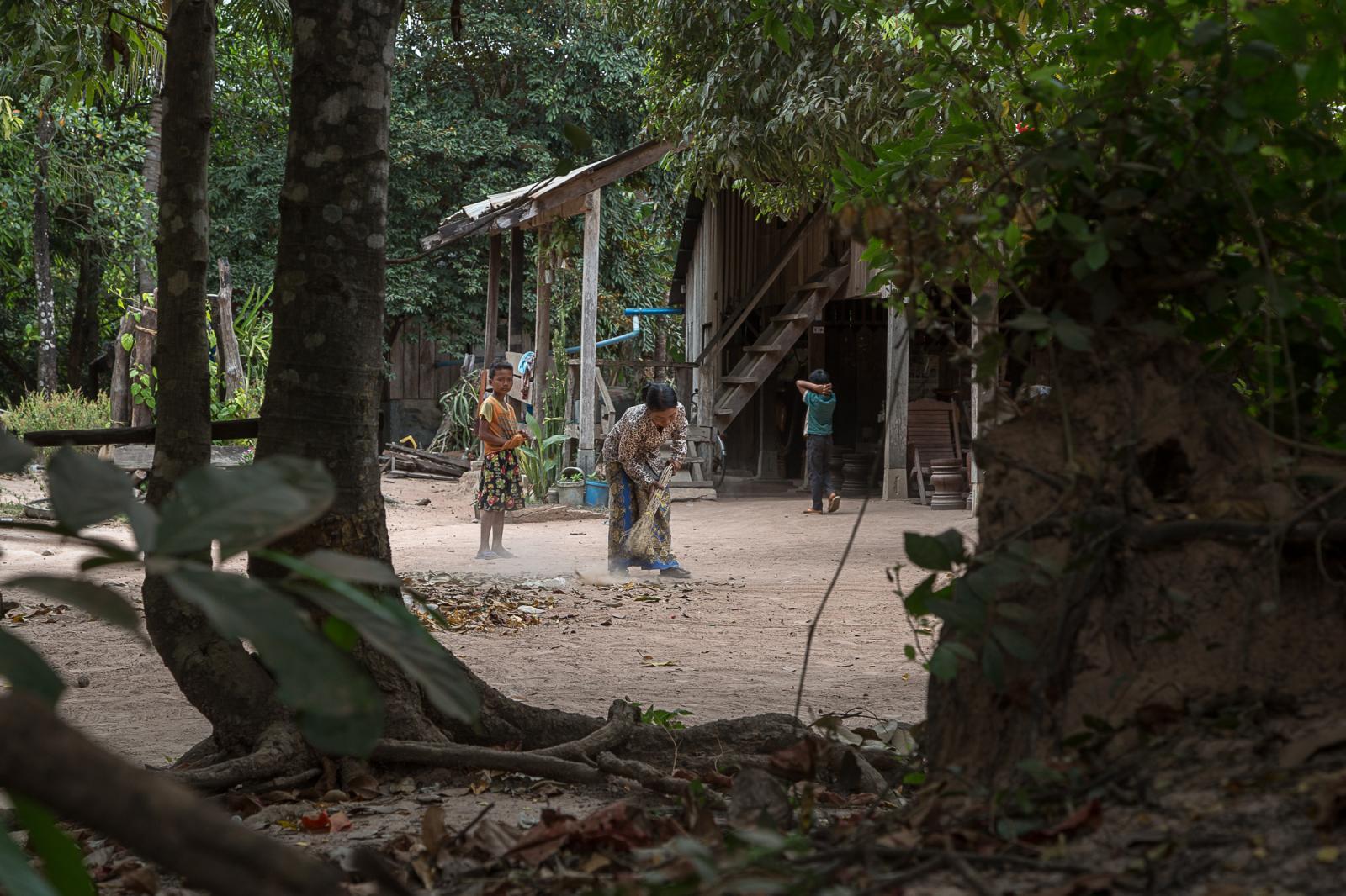 Photography image - Loading 002_Im_Chaem-Cambodia_Omar_Havana.jpg
