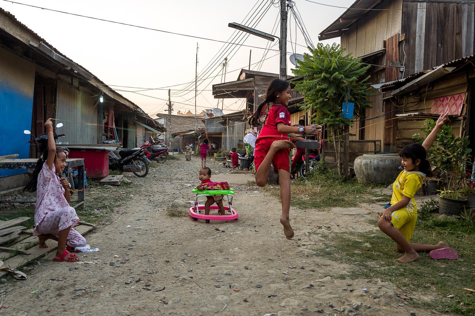 Photography image - Loading 003_Capitalism-KhmerRouge-Cambodia-OmarHavana.jpg