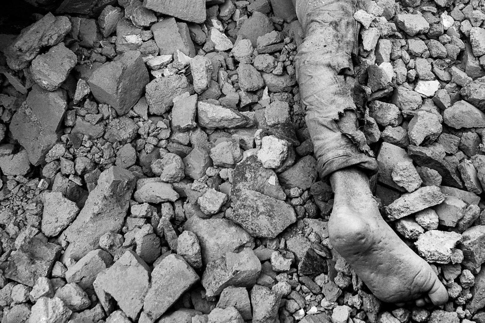 Photography image - Loading 001_Earthquake-endurance-Nepal-Omar-Havana.jpg