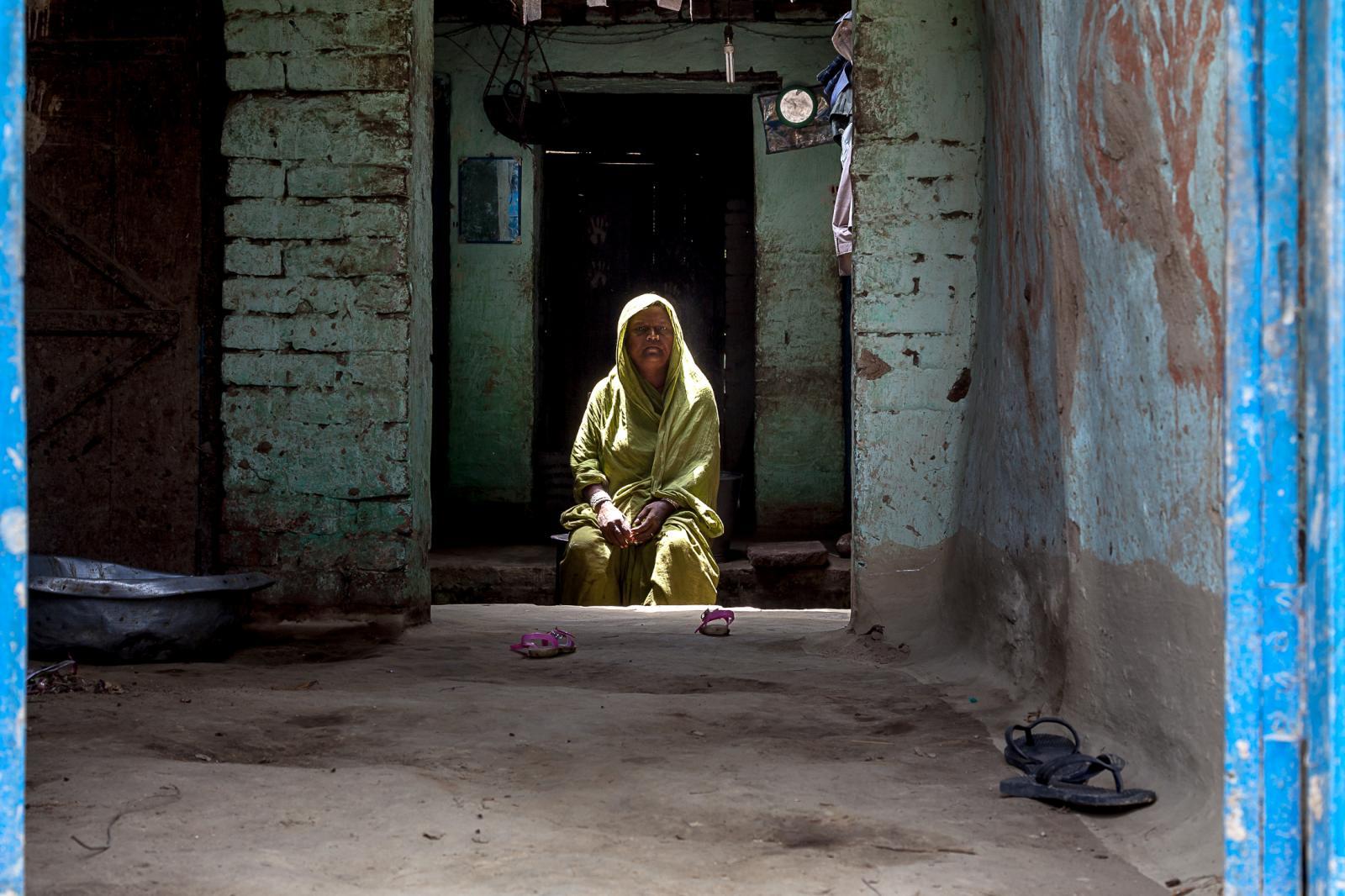 Photography image - Loading 002_Maithil-Women-Nepal-Omar-Havana.jpg