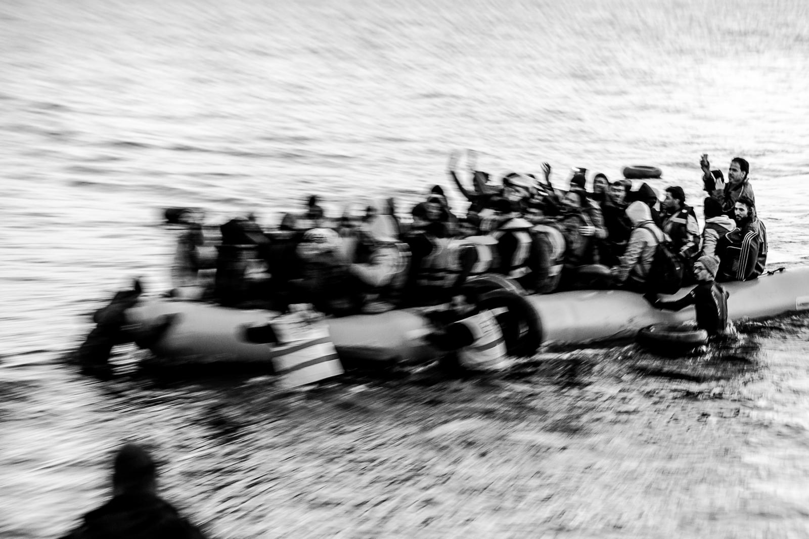 Photography image - Loading 001_Refugee-Crisis-Greece-Omar-Havana.jpg