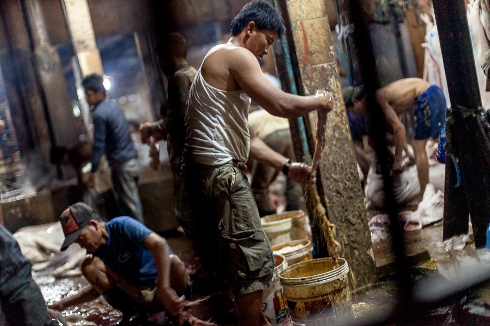 Photography image - Loading 003_Slaughterhouse-Cambodia-Omar-Havana.jpg