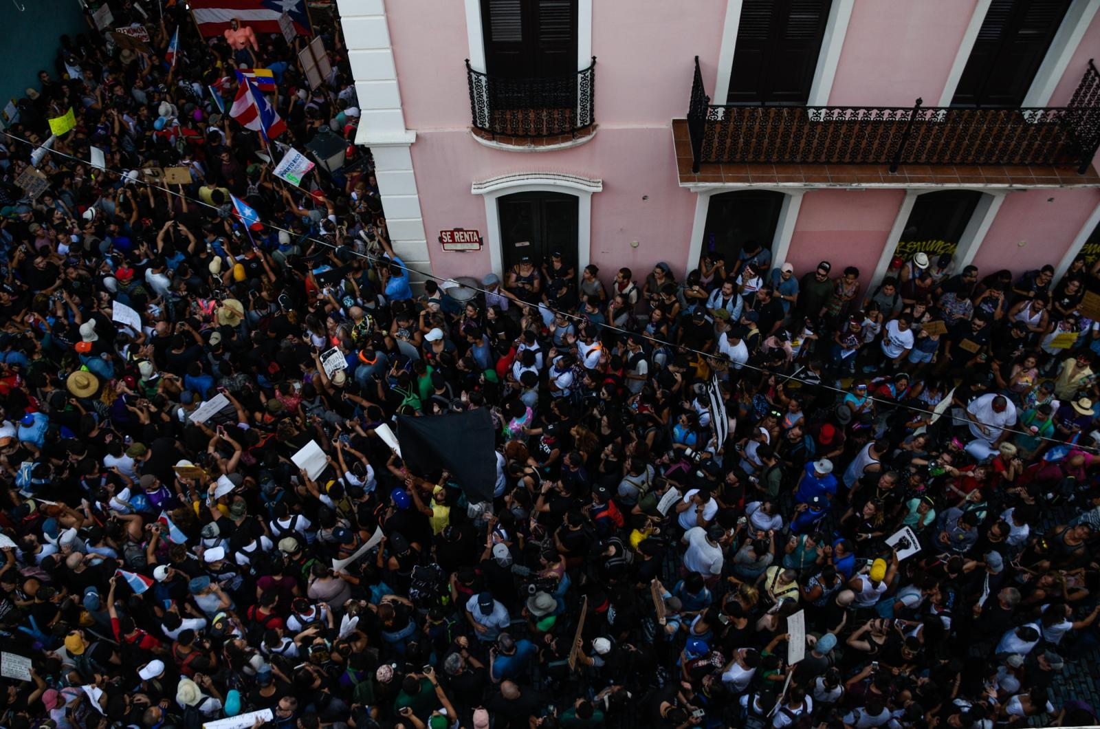 Protest at the Fortaleza.