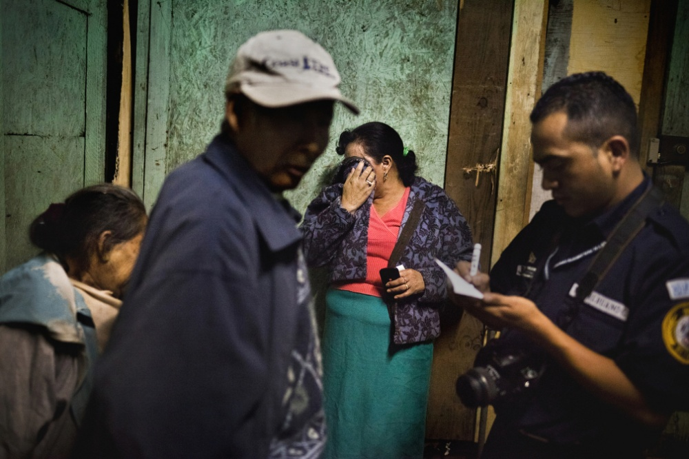 Art and Documentary Photography - Loading GUATE027.jpg