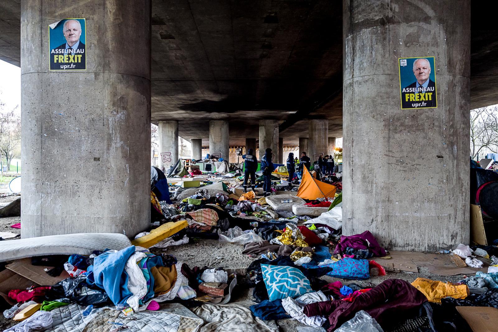 Photography image - Loading 003_Sans-Abris-Paris-France-Omar_Havana.jpg