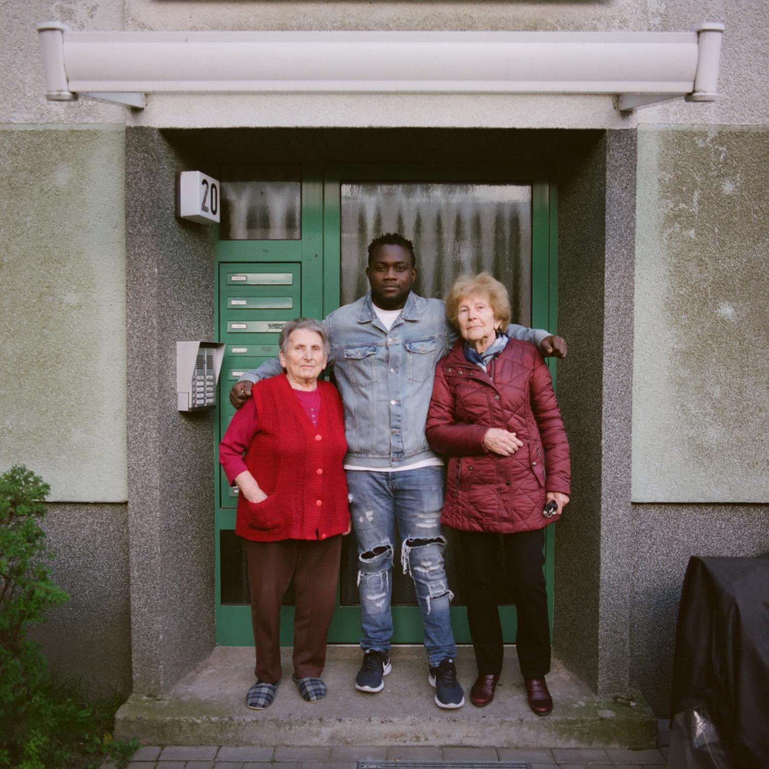 Art and Documentary Photography - Loading Eric_with_two_neighbours_in_Hohenstu__cken__Brandenburg__2.jpg