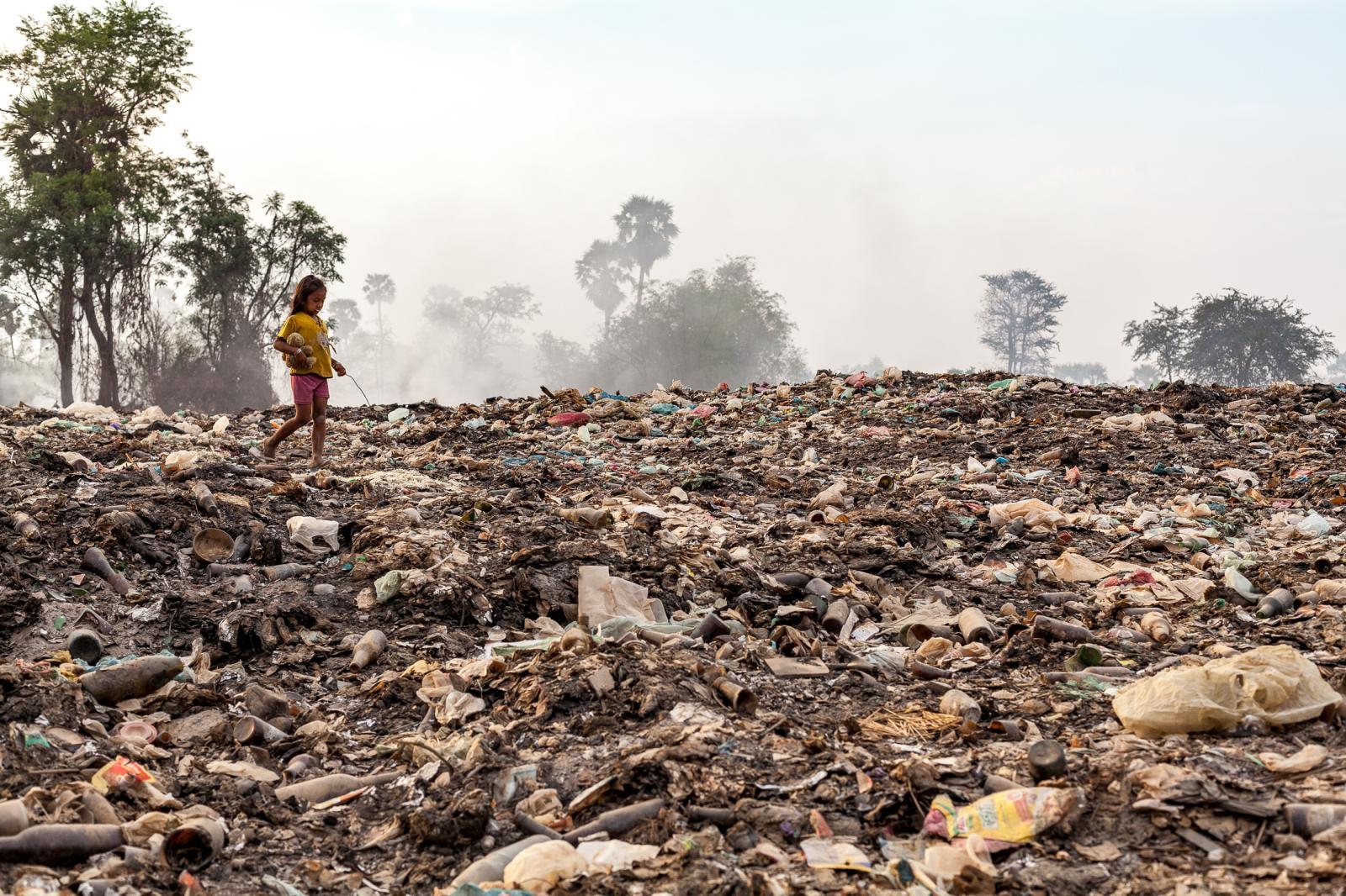 Photography image - Loading 002_Rubbish_Cambodia.jpg