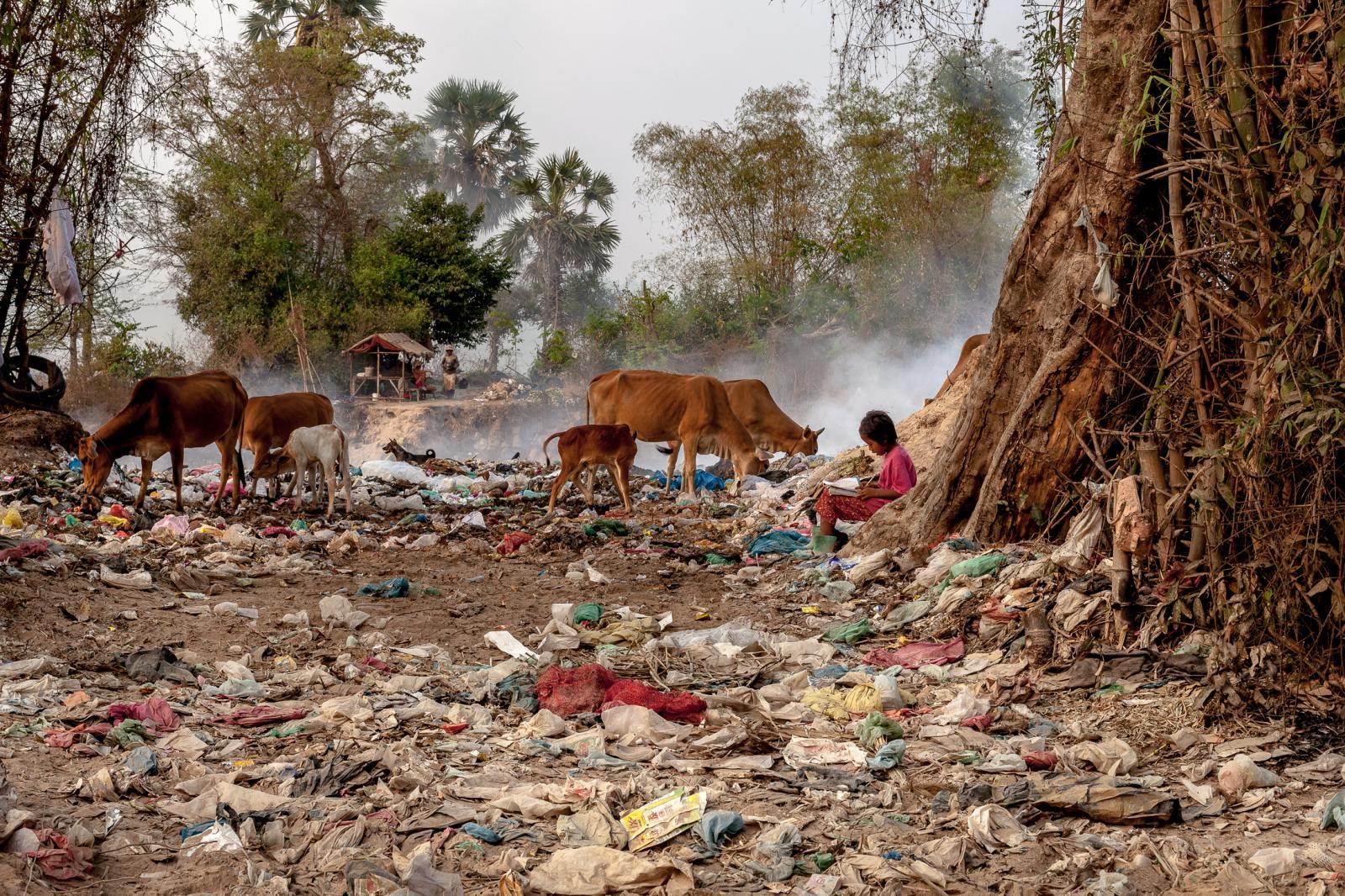 Photography image - Loading 003_Rubbish_Cambodia.jpg