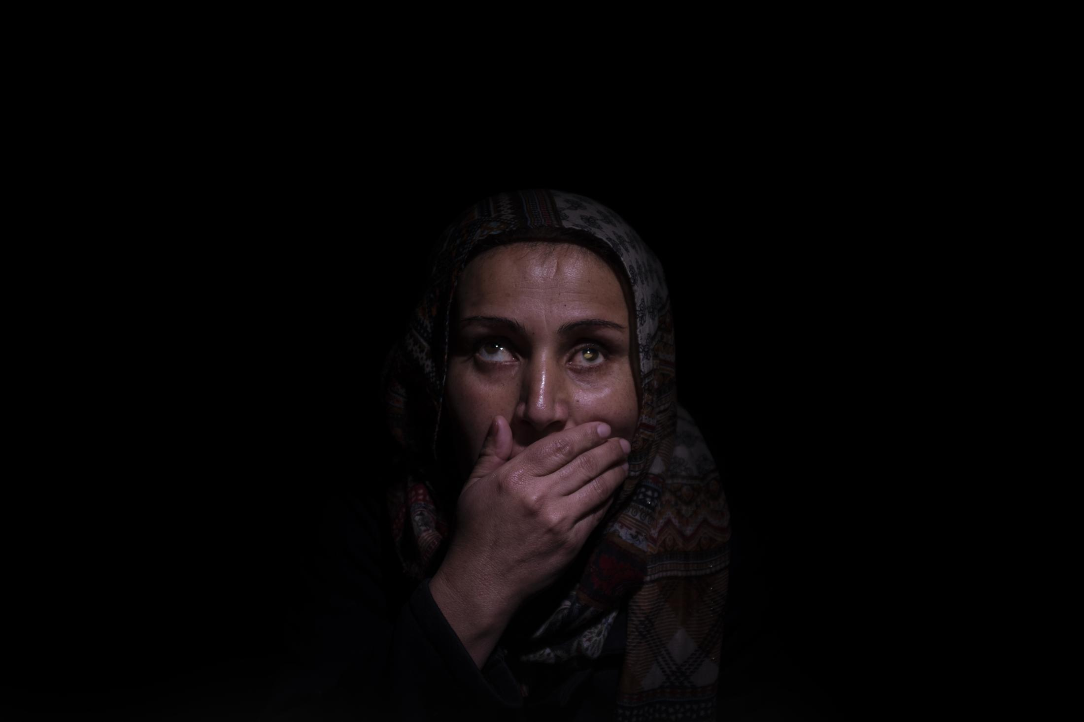 Bedia is Ahmed´s wife. She says there were no cars to escape during the attack and that they had to walk for hours alongside three other families until they found one. They don´t dare to go back for fear of kidnapping. After the withdrawal of US troops from northern Syria in October 2019, Turkey launched an offensive against the predominantly Kurdish areas in the northeast of the country along Islamist forces. Calls for war crimes investigations into the conduct of Ankara-backed militias are mounting ever since. (Andoni Lubaki / Euskal Fondoa)
