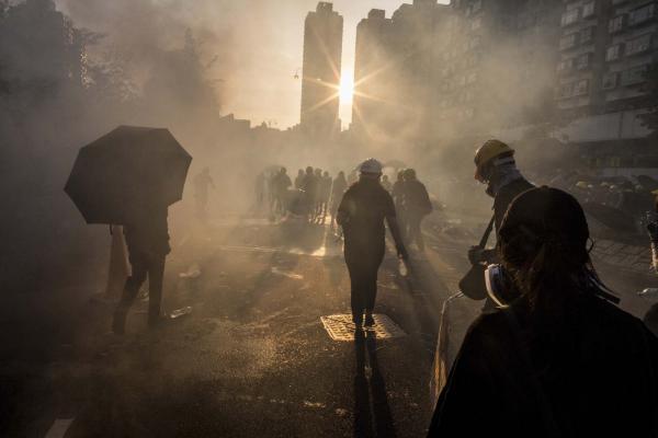 2019年8月5日,網民發起「8.5全港三大罷、遍地開花七區集會」活動,呼籲市民於8月5日罷工、罷市、罷課,同時在港九新界七區分別舉行集會,以行動表達對政府的不滿,其後多區爆發警民衝突,其中在大埔的示威者在催淚煙中。