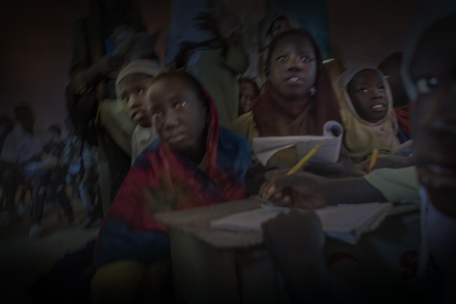Sudanese and Southern Sudanese children (there are over 2.2 million Southern Sudanese refugees in Sudan) in a school in El Daein, in Darfur (Sudan).