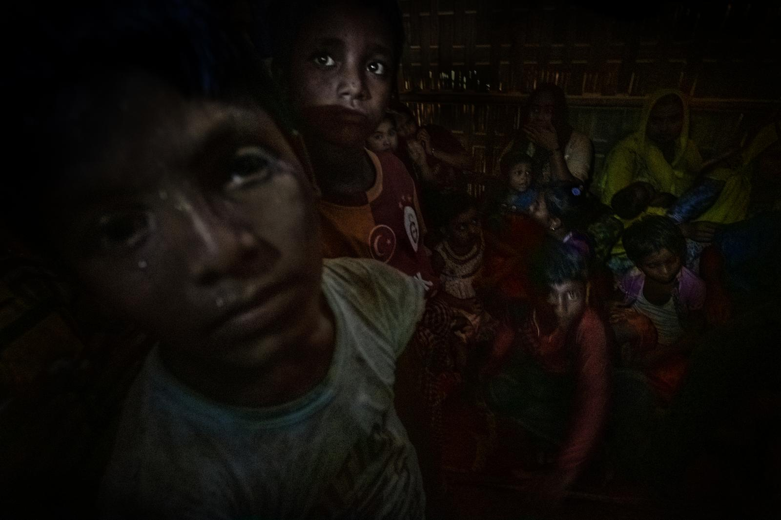Children are always the most vulnerable in war, where decisions always conditioned by their parents shapes a future without any options (Bangladesh).