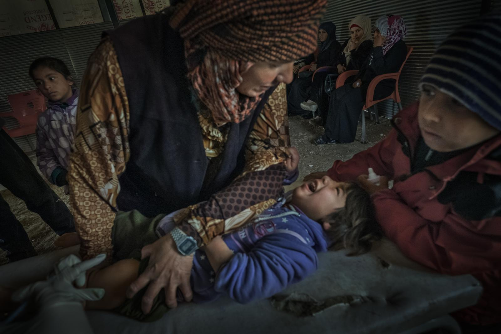 Hospital run by MSF (Doctors without Borders) in Ain Issa, during a vaccination campaign. ISIS left behind a large number of booby traps that affected many children who had to undergo amputations (Syria, 2018)