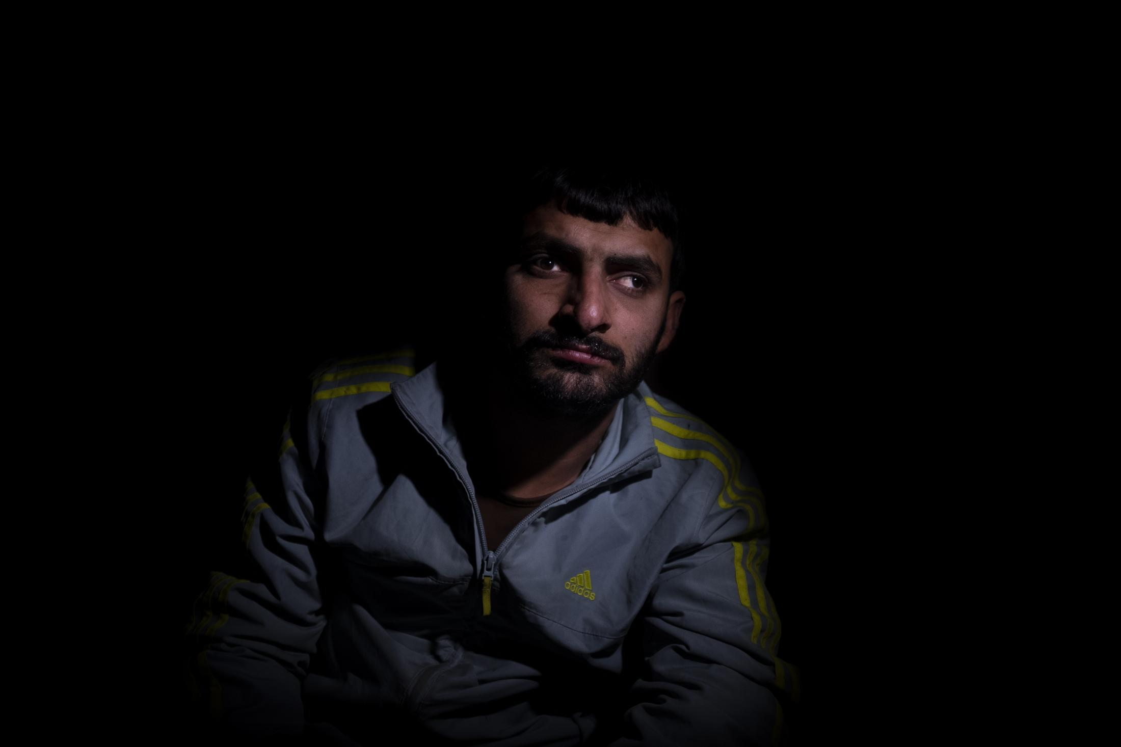 Mustafa Bakir, 25, could only escape thanks to the help of fellow villagers in Serekaniye. He´s on a wheelchair and relies fully on his mother. After the withdrawal of US troops from northern Syria in October 2019, Turkey launched an offensive against the predominantly Kurdish areas in the northeast of the country along Islamist forces. Calls for war crimes investigations into the conduct of Ankara-backed militias are mounting ever since. (Andoni Lubaki / Euskal Fondoa)