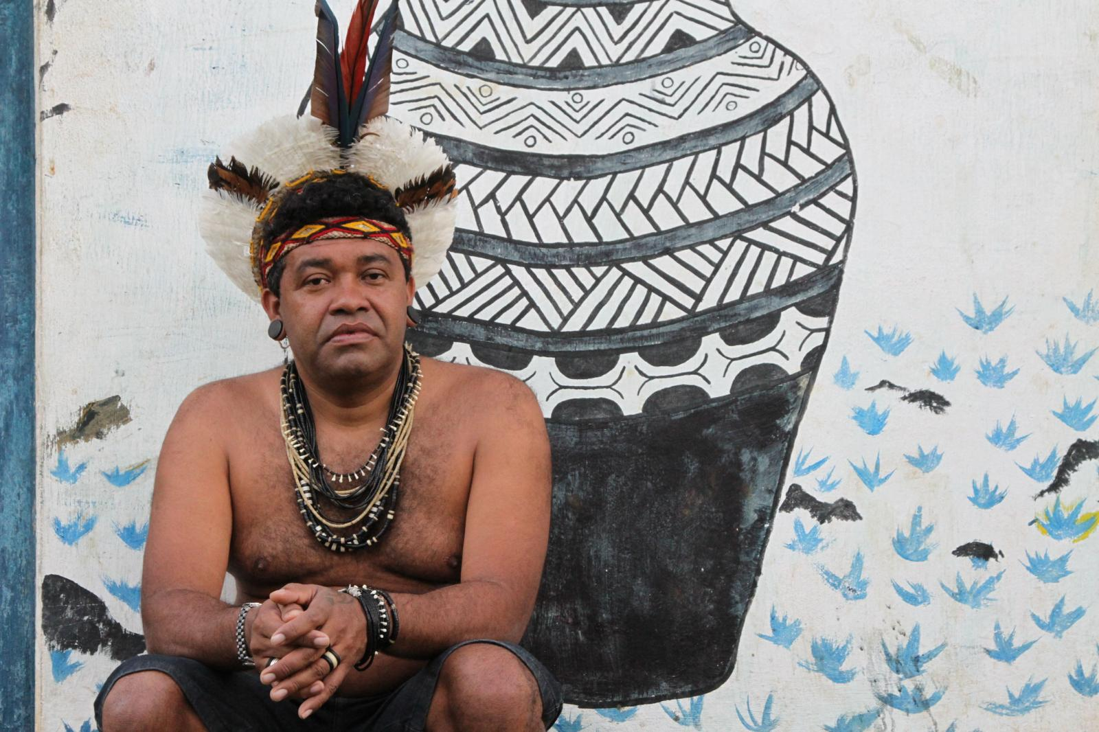 Paulo Titiá, uma liderança dos Pataxós HãHãHãe photographed outside the Associação HãHãHãe e indigena de Agua Vermelha near Pau Brasil, South of Bahia estate.