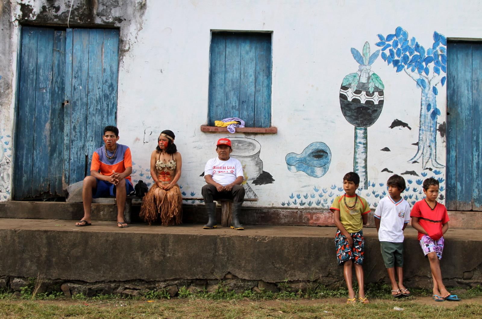 Pataxó HãHãHãe photographed outside the Associação HãHãHãe e indigena de Agua Vermelha near Pau Brasil, South of Bahia estate.