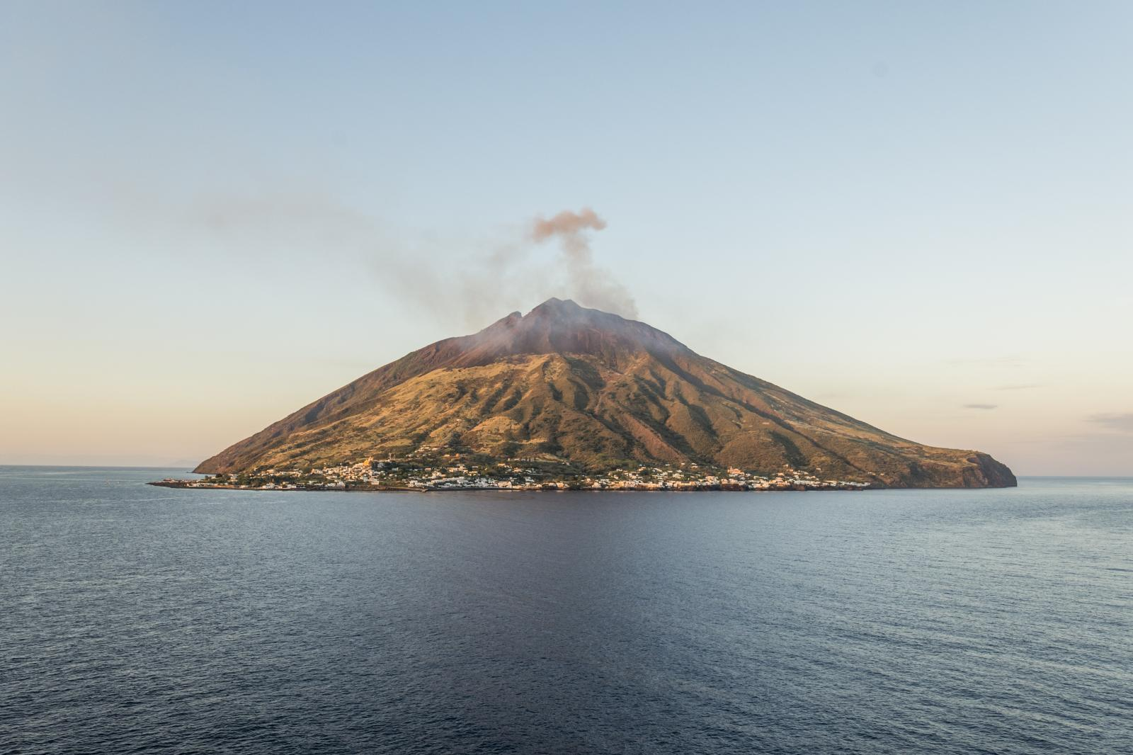 Photography image - Loading Stromboli_web_01.jpg