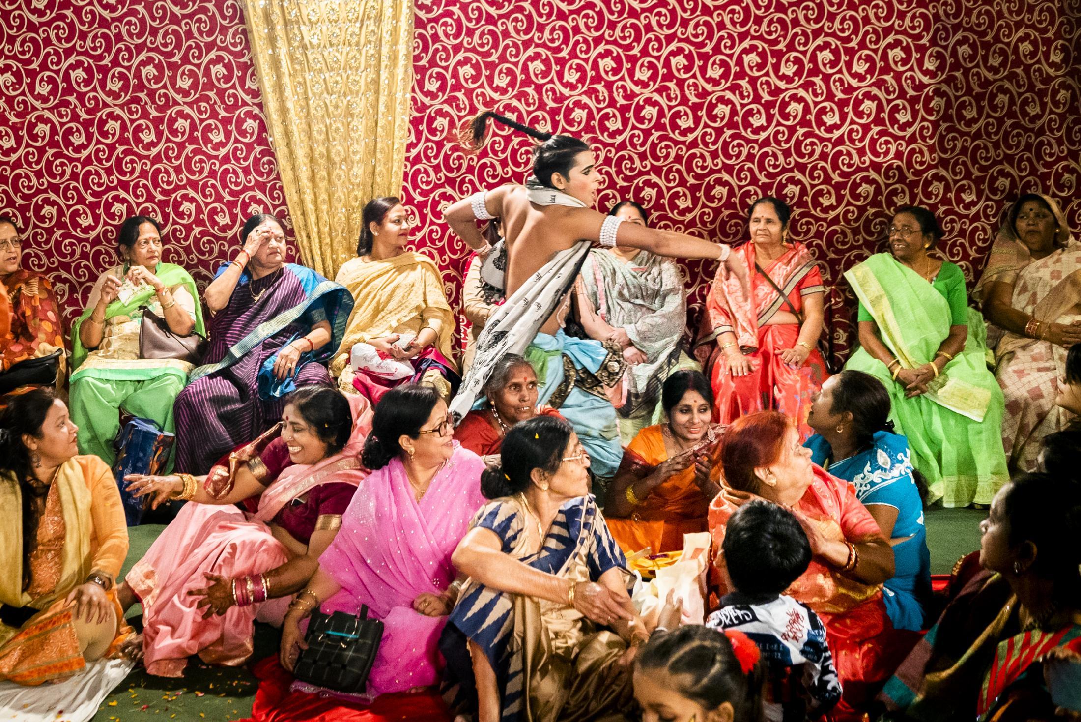 Art and Documentary Photography - Loading India_gaiasquarci_natgeo-49.jpg