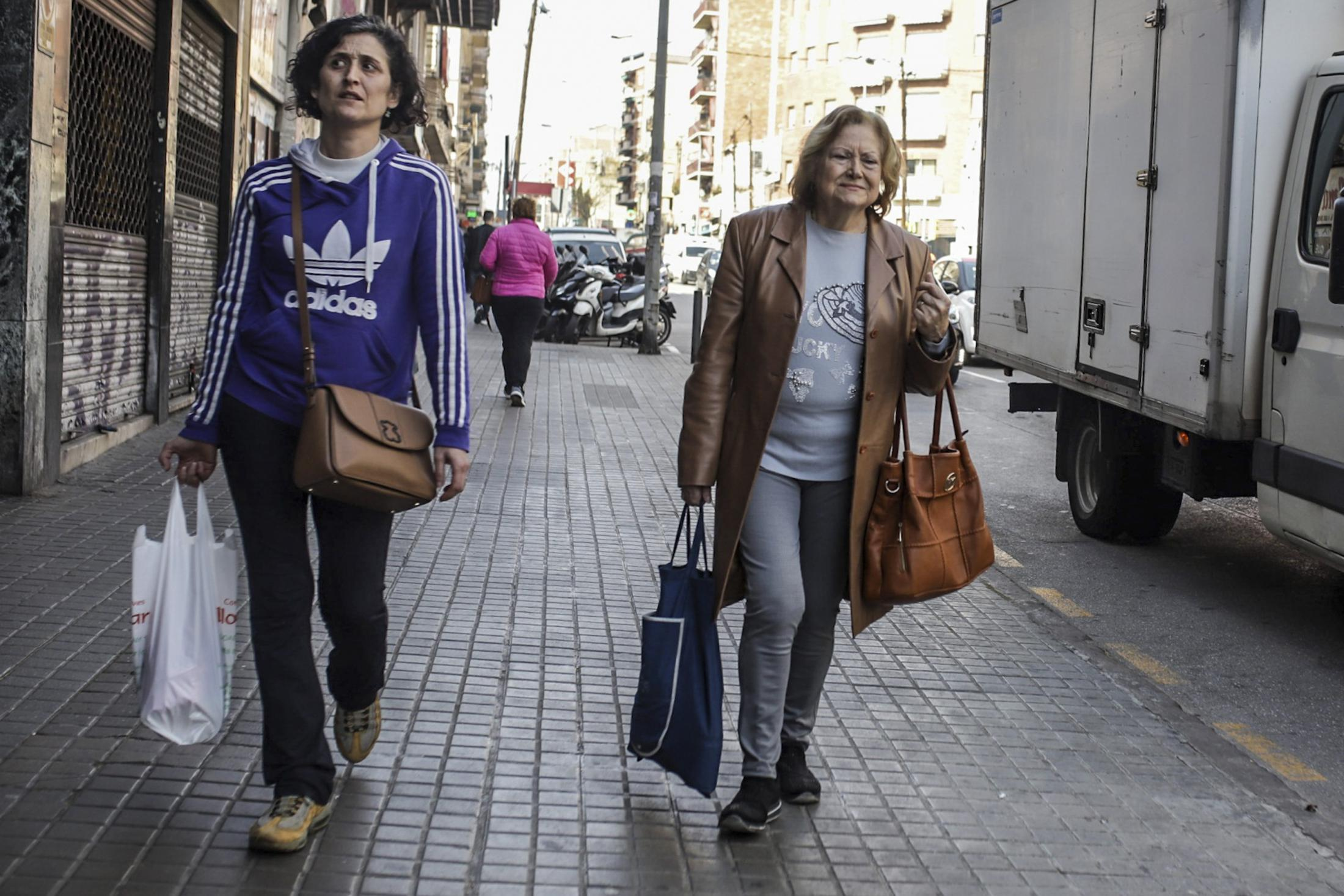March 12, 2019 - Barcelona, Spain: Coronavirus in Barcelona. Barcelona stores sell and offer coronavirus protection masks after the number of patients with the virus increased in number.