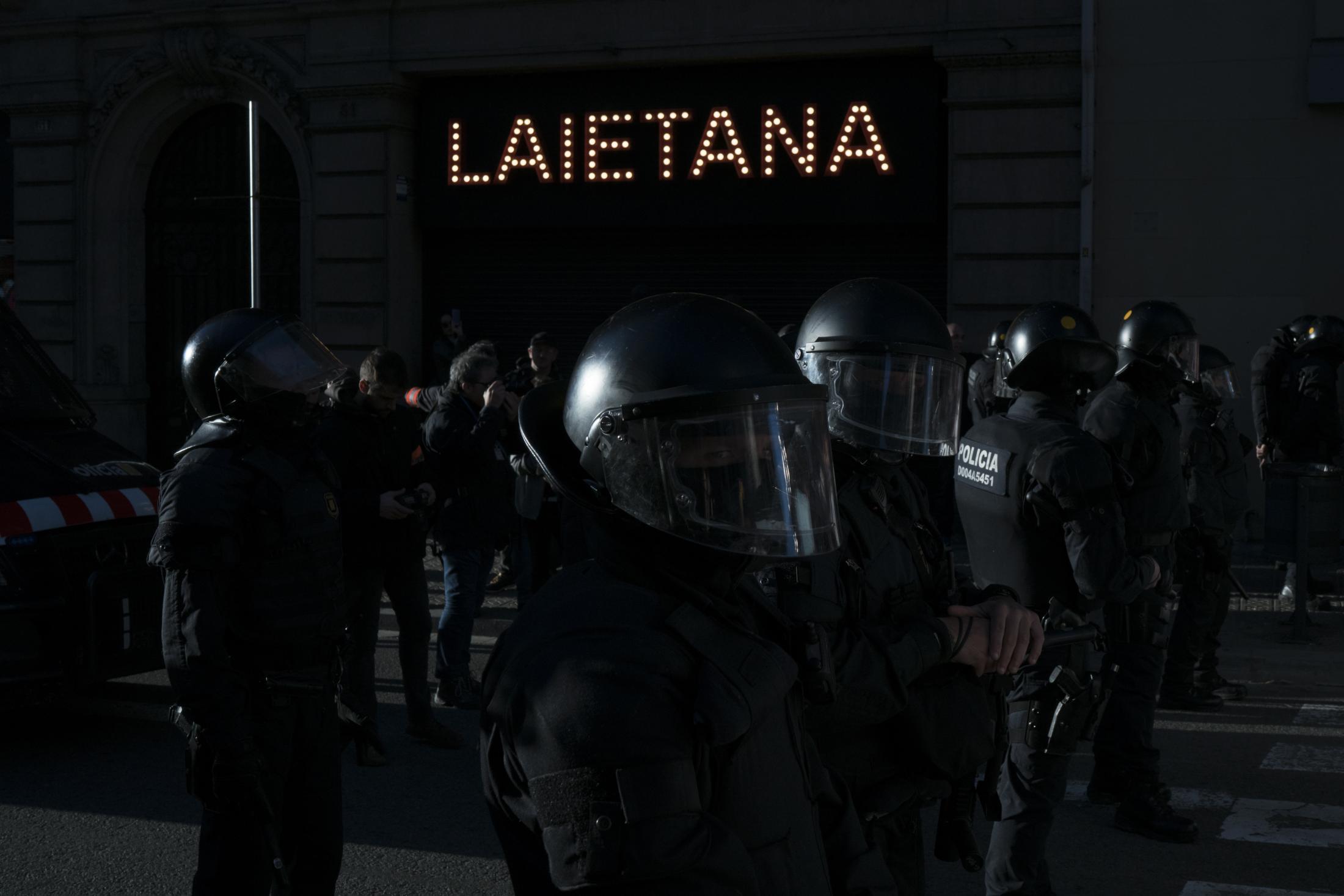 Riot Police, Barcelona 2019.