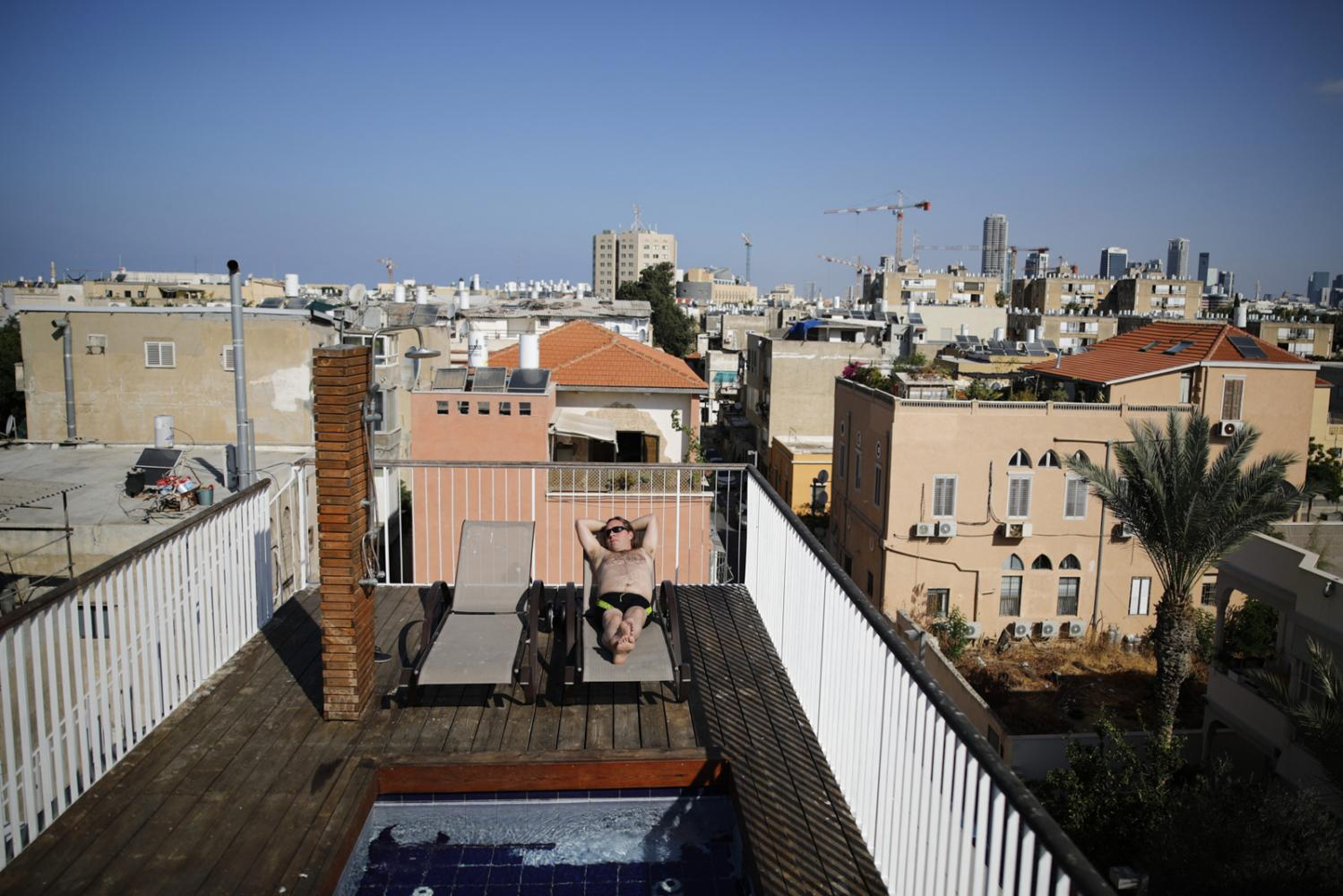 Photography image - Loading af62e2cad208bca2-CK_rooftops_03(1).jpg