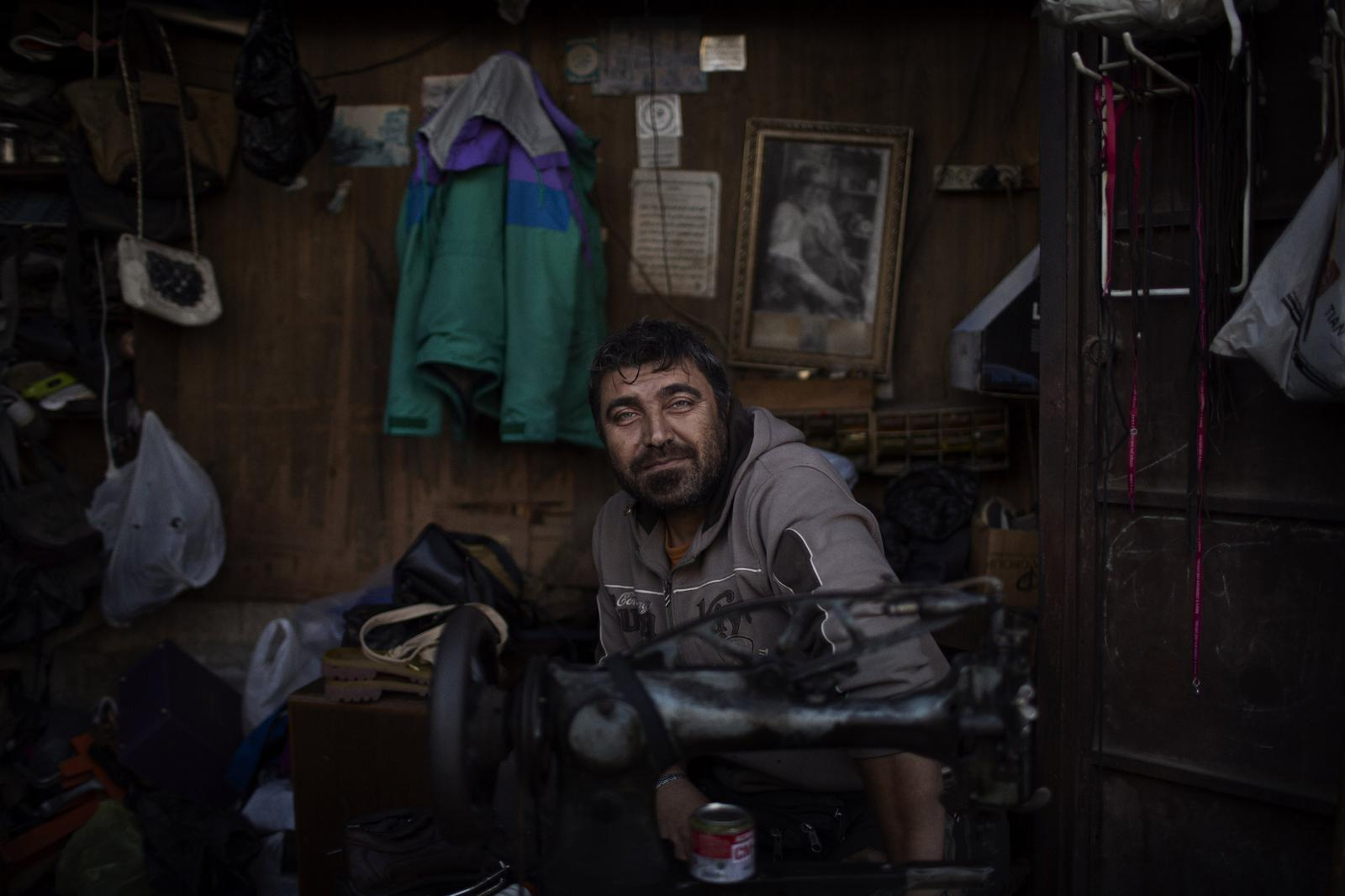 Yahya Shamel, shoe repairman: I inherited this business from my father. He's had it for about 40 years. Currently the situation isn't good. People are very tired. Expenses are rising. None of our representatives' care about us. We tell the politicians, with all our respect, that if you're up for fixing this, then let new young people come and take over. People in Lebanon want to live together in peace. Sectarianism is an illusion that is the creation of our leaders. It doesn't exist at all. They created this boogeyman. Tripoli. Lebanon. December 11th, 2019. Diego Ibarra Sánchez for CNN