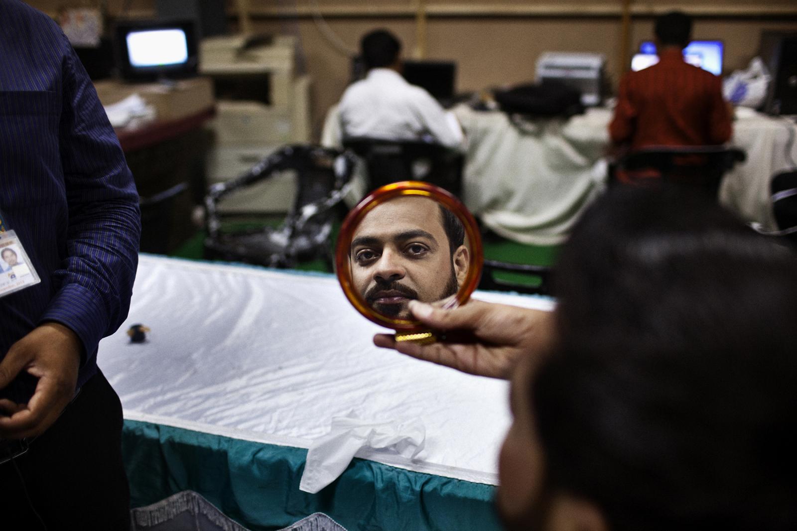 Photography image - Loading Preacher-Pakistan-NYT_03.jpg