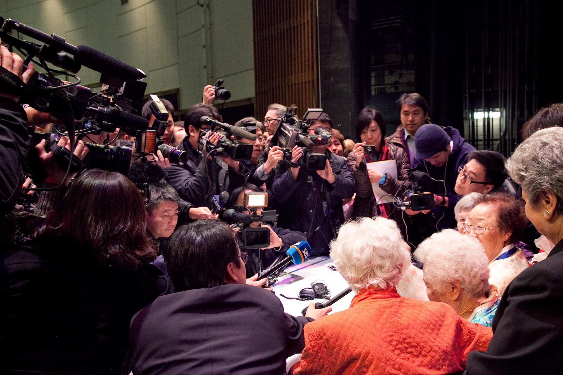 Lee Ok Seon Halmoni and Lee Yong Soo Halmoni giving their testimonies alongside Holocaust survivors Hanne Liebmann and Ethel Katz, Kupferburg Holocaust Center, Queens, NY, 2011